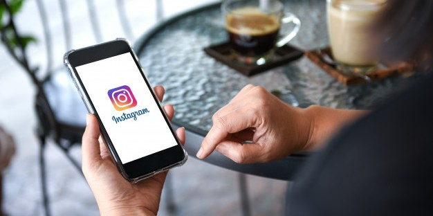 How Embedding Instagram Feed on Website Help in Business